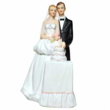 Kinder  Stenen spaarpotten bruidspaar bruidstaart